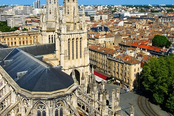 Attractions and Places to Visit in Bordeaux
